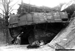 katastrofa_kolejowa_na_slaskiej_001